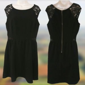 NWOT Speechless Lace Cap Sleeves Black Dress